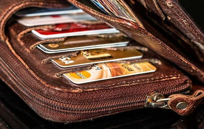 Kreditkarten 660x417 - Umfrage: Jeder Zweite hat beim Online-Shopping ein ungutes Gefühl
